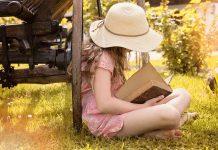 девојчица-чита-књигу