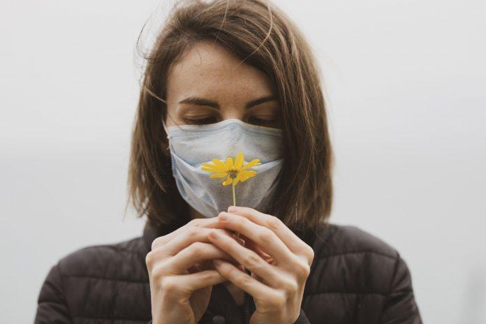 пандемија-маска
