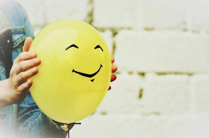 жути-балон-осмех