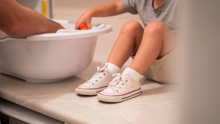 дете-кадица-купање