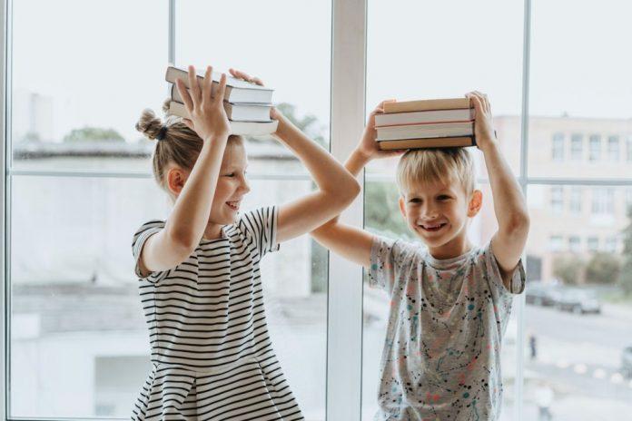 dečak-devojčica-knjige
