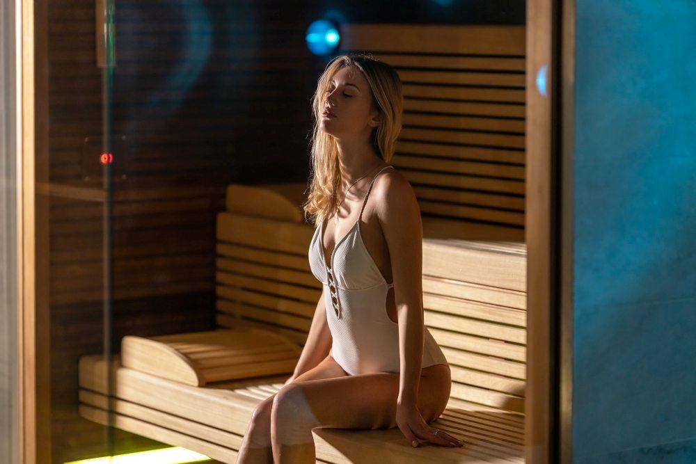 sauna-devojka