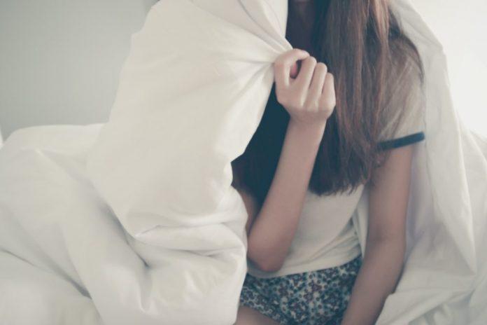 devojka-jastuk