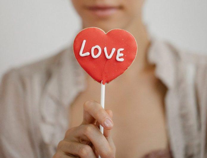 лизалица-љубав-срце