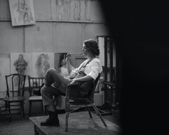 devojka-umetnica-slikarka